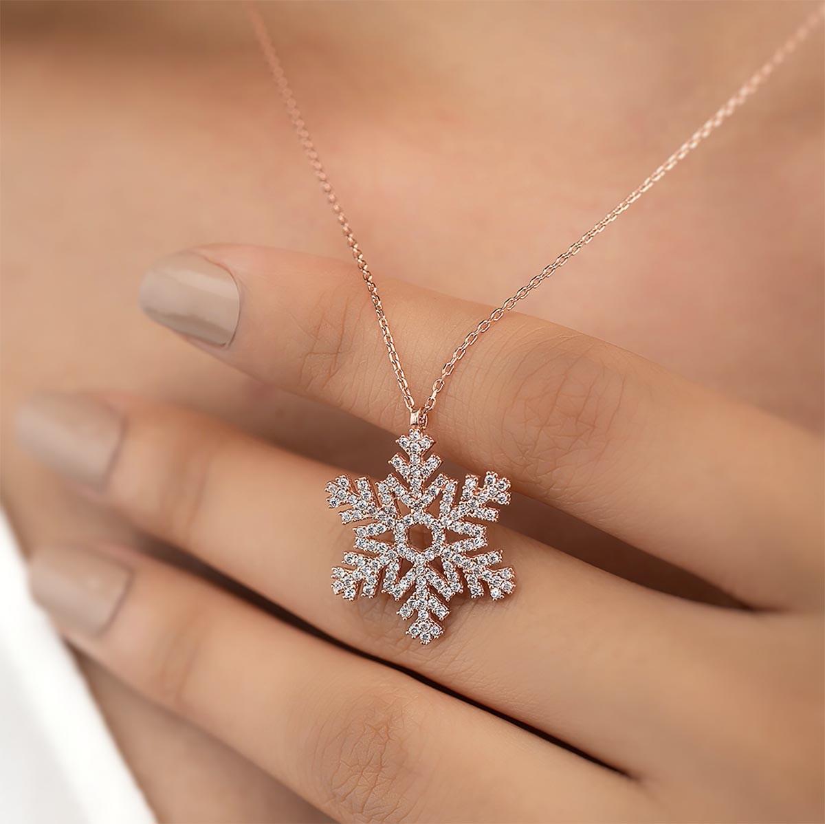 Gümüş Pazarım - Zirkon Taşlı Kar Tanesi Motifli Gümüş Kolye (1)